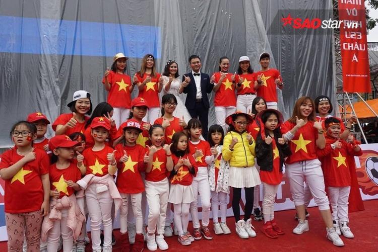 CĐV nhí ở Hà Nội.