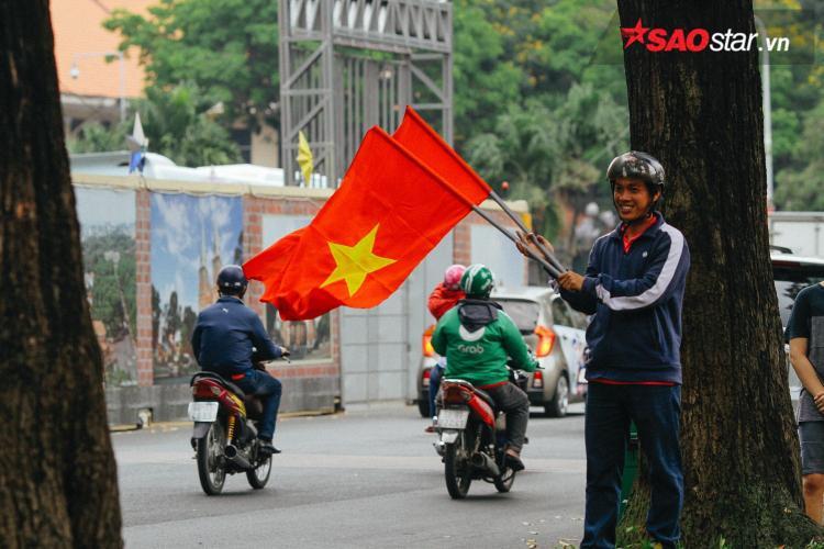 Niềm tự hào mang tên màu cờ sắc áo.