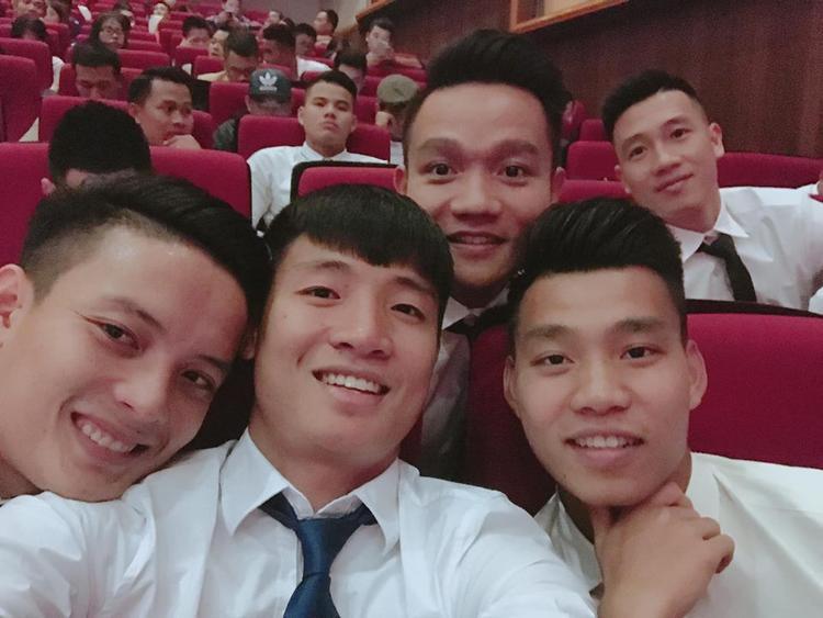 Không ngoa khi nói rằng các cầu thủ U23 Việt Nam chinh phục người hâm mộ cả phần tài lẫn phần sắc!