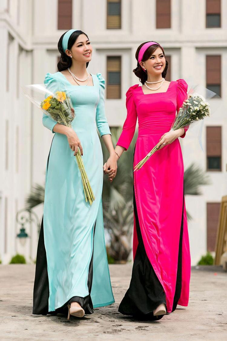Ưu điểm của loại áo dài này là dễ dàng phối phụ kiện đi kèm. Ngoài ra áo dài đơn sắc sẽ ứng dụng được nhiều hơn trong những ngày thường chứ không quá kén sự kiện như áo dài có họa tiết rực rỡ.