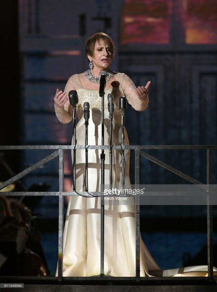 Ben Splatt và Patti LuPone lần lượt mang Broadway tới Grammy năm nay với các màn biểu diễn Somewhere và Don't Cry for Me Argentina.