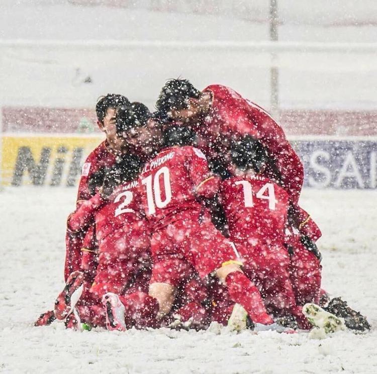 Hình ảnh xúc động đi vào lịch sử của U23 Việt Nam.