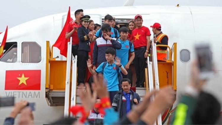 Chuyên cơ đón đội tuyển U23 Việt Nam về nước.