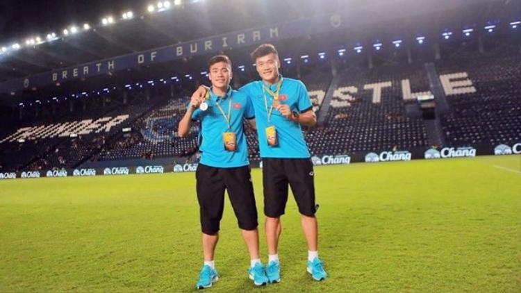 Hai anh em Bùi Tiễn Dũng đang gặt hái thành công trong màu áo U23 Việt Nam.
