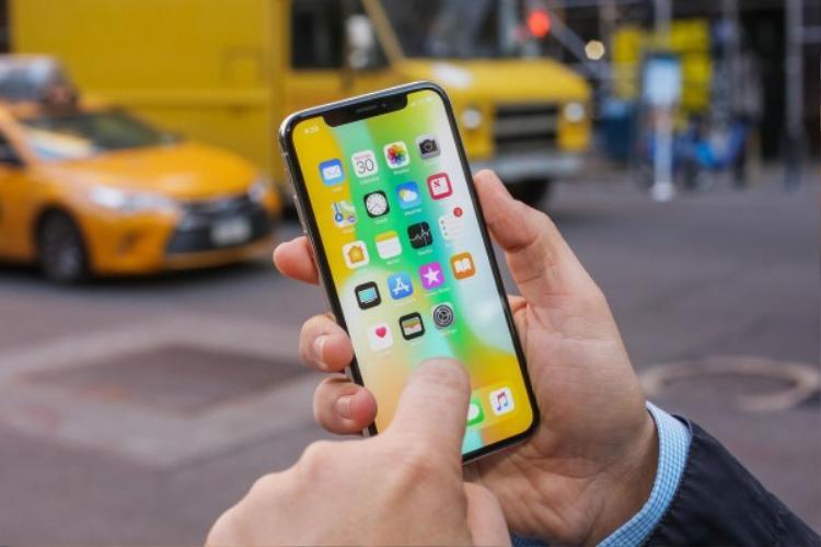 Ở các đại lý lớn, giá bán iPhone X không hề thay đổi. Tuy nhiên, ở các đại lý, hệ thống nhỏ hơn, mức giá đã được đẩy xuống để kích cầu và tăng khả năng cạnh tranh.