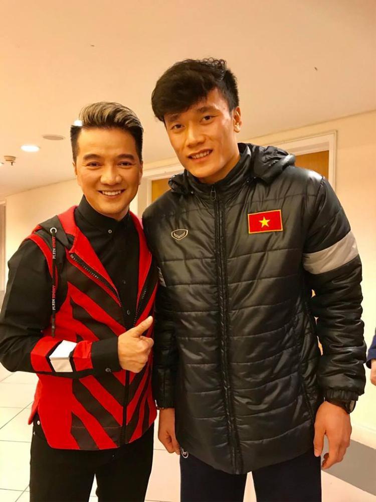 Sau tiền vệ Quang Hải, Mr. Đàm còn muốn gặp gỡ và… hôn thủ môn Bùi Tiến Dũng,Xuân Trường, Duy Mạnh.