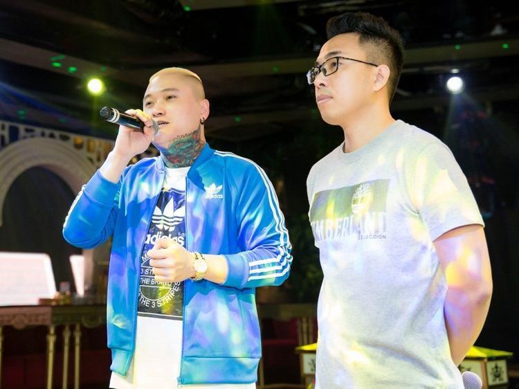 Khi Vũ Duy Khánh tiết lộ chi nửa tỷ đồng để làm phim ngắn Ông chủ, nhiều người tỏ ra lo lắng anh sẽ bị lỗ nặng vì thời điểm này thị trường âm nhạc đang bão hòa với sự xuất hiện của nhiều MV tương tự.