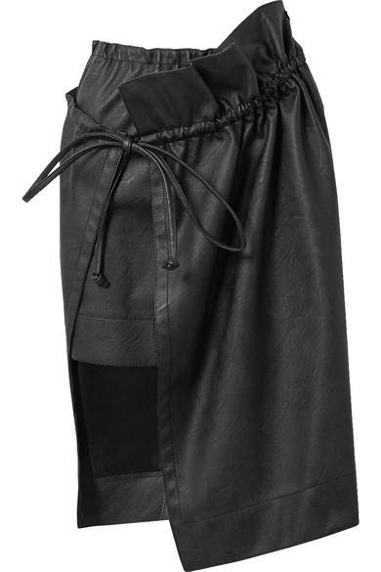 Váy da thắt dây.