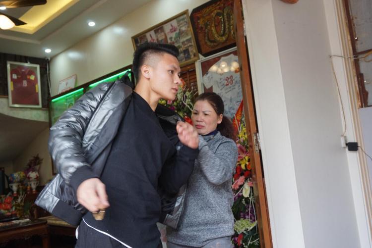 Quang Hải muốn có những phút riêng tư bên người thân.