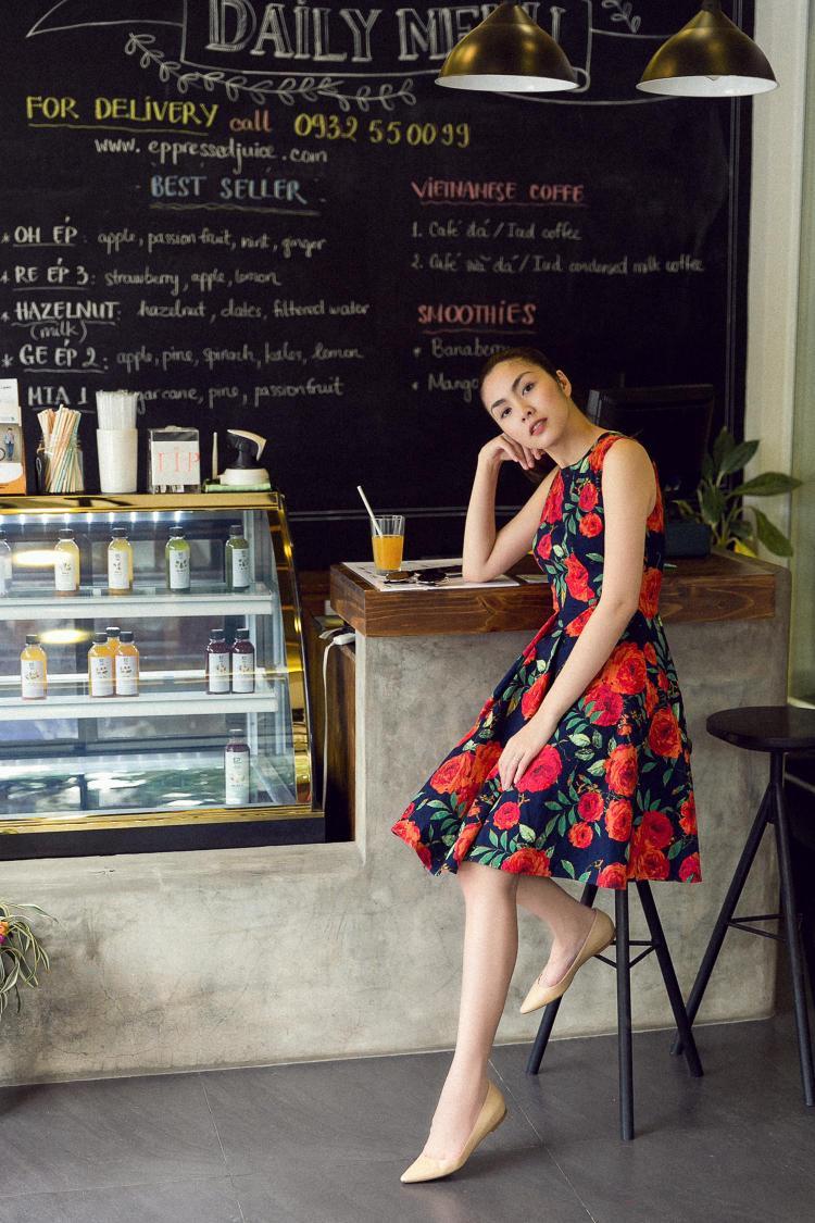 """Dù trang điểm, để kiểu tóc nhẹ nhàng, nhưng """"ngọc nữ"""" màn ảnh Việt vẫn xinh đẹp hút hồn ở mọi góc nhìn."""