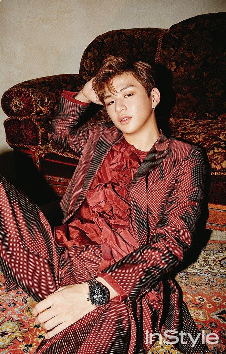 Còn Kang Daniel được biết đến như chàng trai quốc dân đầy sức hấp dẫn sau khi debut cùng Wanna One.