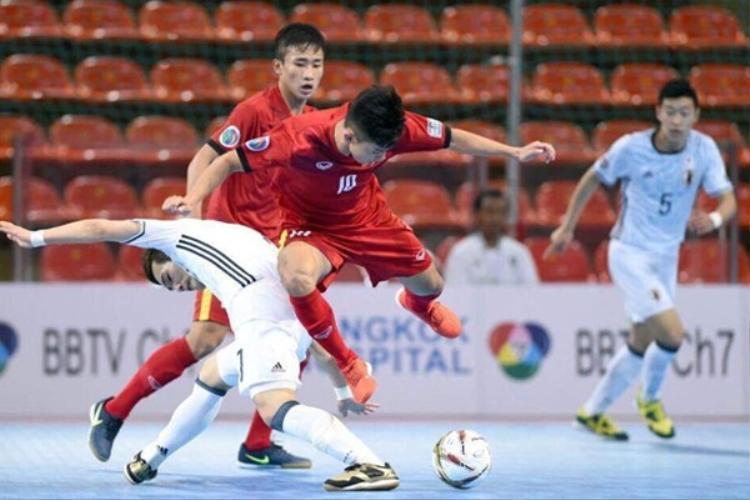 Số 10 Vũ Đức Tùng ghi bàn cho tuyển Việt Nam.