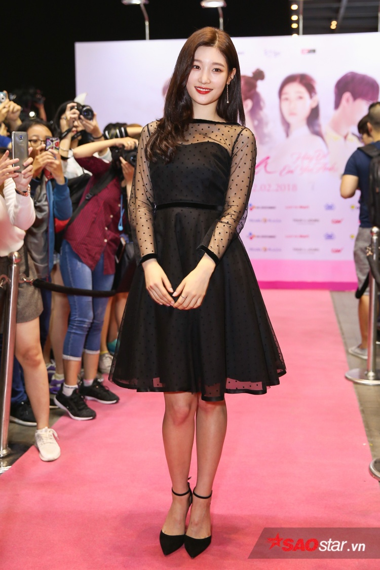 """Chae Yeon - Người được mệnh danh là """"Nữ thần thế hệ mới"""" đã chứng tỏ """"sức mạnh"""" nhan sắc của mình."""