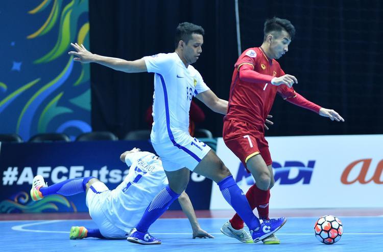 Futsal Việt Nam có trận thua ngược trước Malaysia.