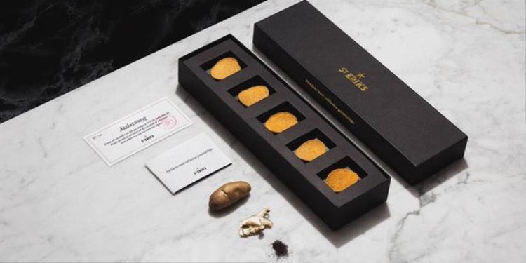 Gần 1,3 triệu cho 1 hộp 5 miếng, đây là món snack khoai tây chiên đắt nhất thế giới
