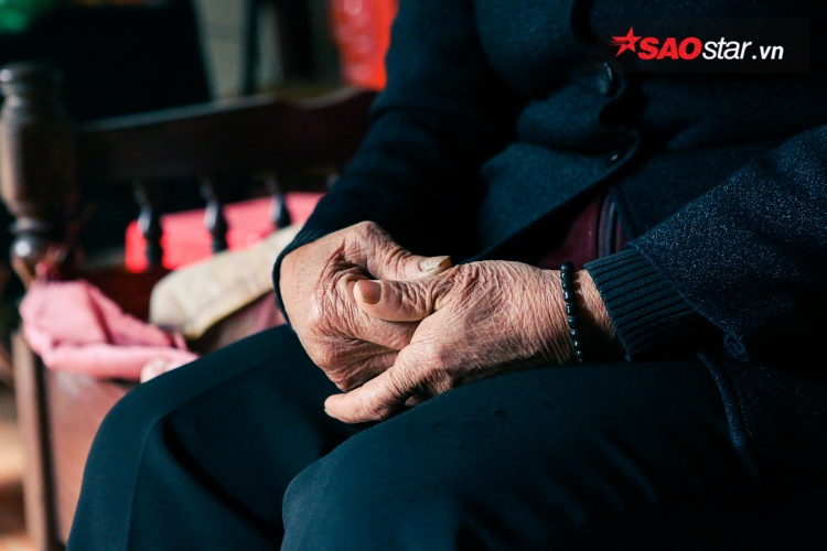 Chuyện cụ bà 94 tuổi 52 năm chờ chồng về cùng vợ mới: Đừng lấy tiêu chuẩn từ người khác để áp lên tình yêu của mình
