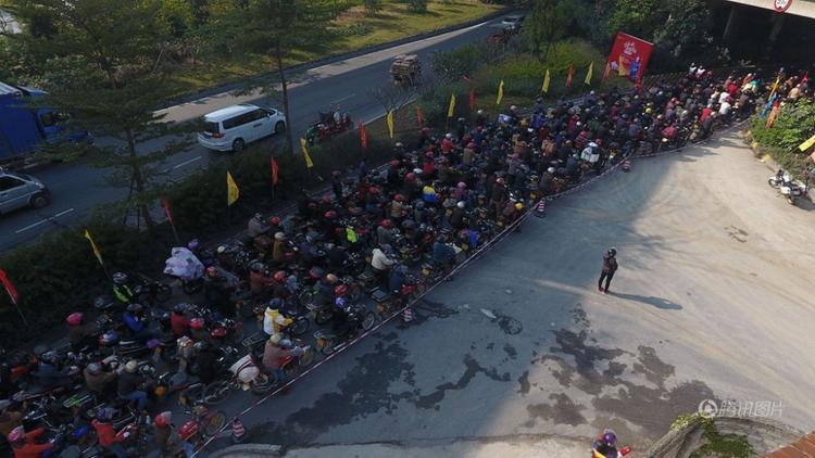 """Dự kiến có khoảng 500 nghìn xe máy sẽ tham gia cuộc """"xuân vận"""" đầy khó khăn này."""