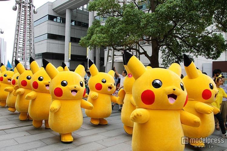 Lễ hội Pikachu ở Yokohama thu hút phần lớn là các vị khách nhỏ tuổi. Sự kiện này tổ chức lần đầu vào năm 2014. Thế nhưng chỉ một năm sau đó, nó đã trở thành một nét văn hóa truyền thống của thành phố.Đây là dịp để mọi người cùng chiêm ngưỡng các vũ điệu của Pikachu cũng như hòa vào nhịp nhảy của chúng. Lễ hội kéo dài một tuần vào tháng 8, bao gồm 1.000 hình nộm Pikachu nhảy múa, diễu hành, chào đón du khách.