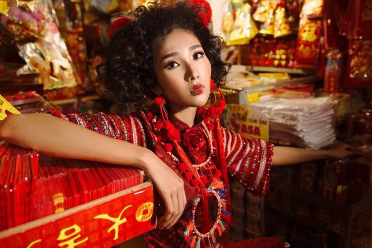 Ngọc Quyên hiện tại đang là một trong những ứng của viên sáng giá cho mùa giải Siêu mẫu Việt Nam năm nay. Cô cho biết bản thân và ekip đã rất chăm chút cho bộ ảnh lần này để gửi đến công chúng những hình ảnh chỉn chu nhất.