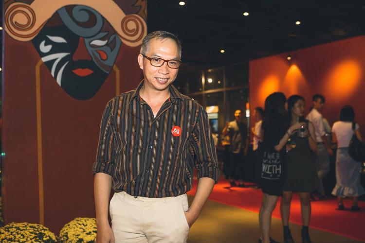 Nhiếp ảnh gia Phạm Hoài Nam cũng có mặt tại sự kiện tôn vinh môn nghệ thuật truyền thống của nước nhà.