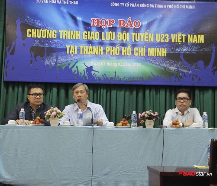 Người hâm mộ quét sạch 25 nghìn vé giao lưu đội tuyển U23 Việt Nam tại TP. HCM