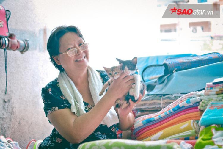 """""""Tụi nhỏ"""" là niềm vui mỗi ngày của dì."""