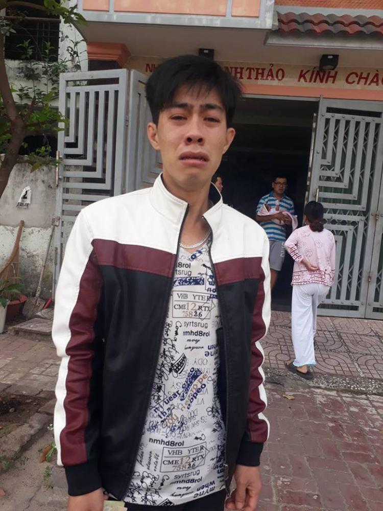 Anh Sang khóc mếu vì mất hết tiền bạc.