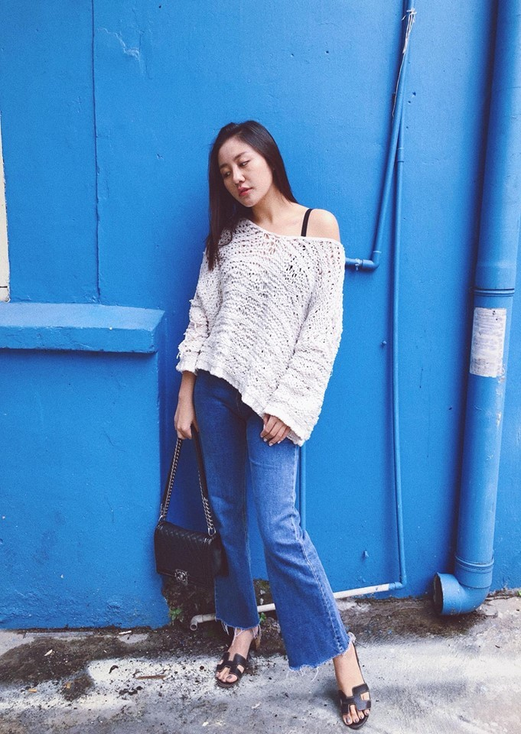 Đôi khi Văn Mai Hương lại xuống phố với phong cách Jean cổ điển. Cô ghi điểmbởi gout ăn mặc, tính cách thân thiện, gần gũi.