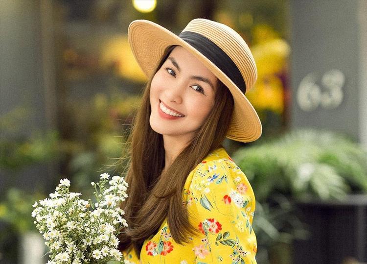 Vẻ đẹp của Hà Tăng mặc nhiên khiến nhiều người phải mê mẩn.