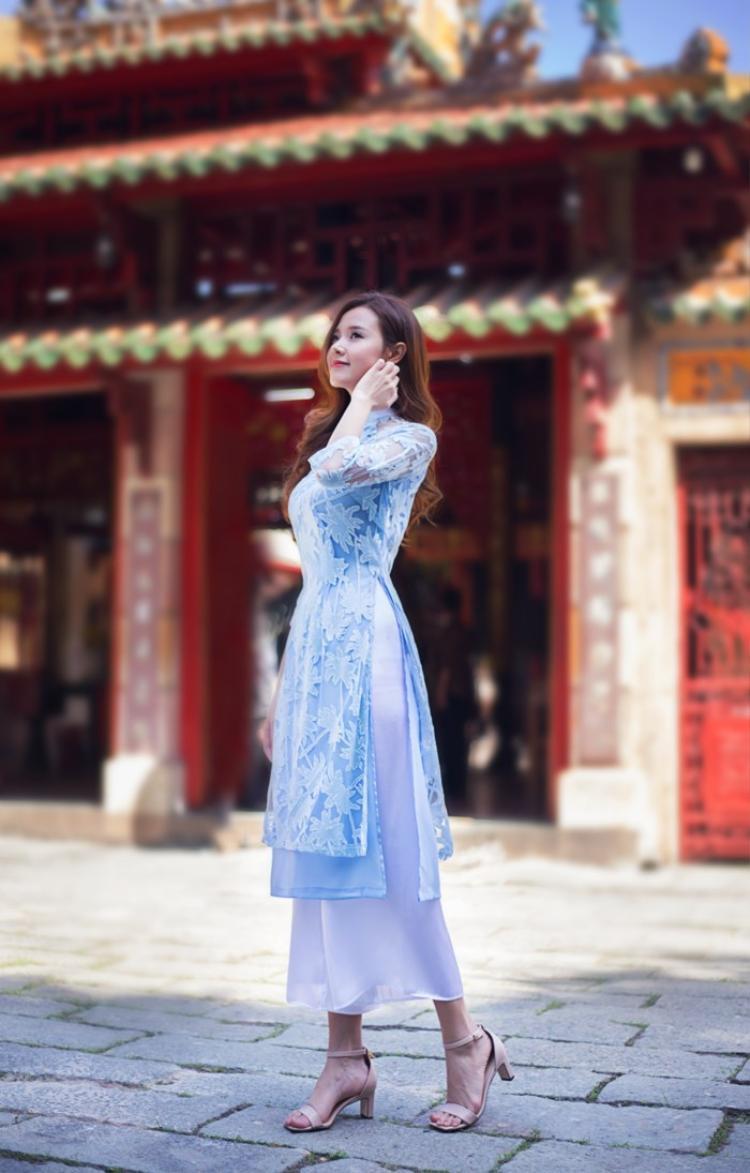 Nhữngtrang phụcnhư áo dài truyền thống trong cũng sẽ mang lại may mắn cho người mặc trong dịp đầu năm.