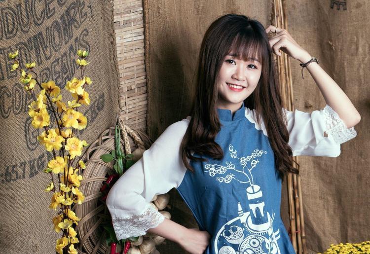 Bích Thảo có nhan sắc xinh đẹp, được ví như hot girl của xứ Tây Đô.