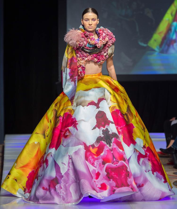 Valentines Vân Nguyễn chuẩn bị 2 năm để thực hiện những trang phục này (Năm 2017 cô thực hiện 2 bộ sưu tập và năm 2018 Valentines Vân Nguyễn thực hiện tiếp 1 bộ sưu tập và cô đã tổng hợp lai những bộ đồ đặc biệt nhất để trình diễn tại Couture fashion week New York).