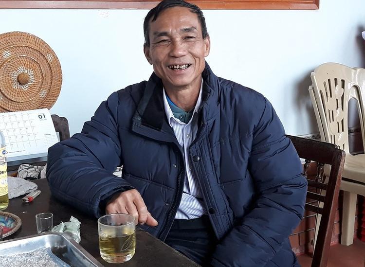 Ông Nguyễn Công Bảy, bố cầu thủ Công Phượng.Ảnh: Ngọc Trang.