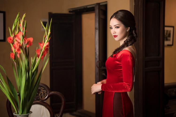 Trước khi bén duyên với nghề MC, Thụy Vân từng đạt giải Á hậu 2 khi tham gia cuộc thi Hoa hậu Việt Nam 2008. Người đẹp sinh năm 1986 sở hữu nụ cười rạng rỡ, tính cách thân thiện cởi mở cùng phong cách thời trang thanh lịch, sang trọng.