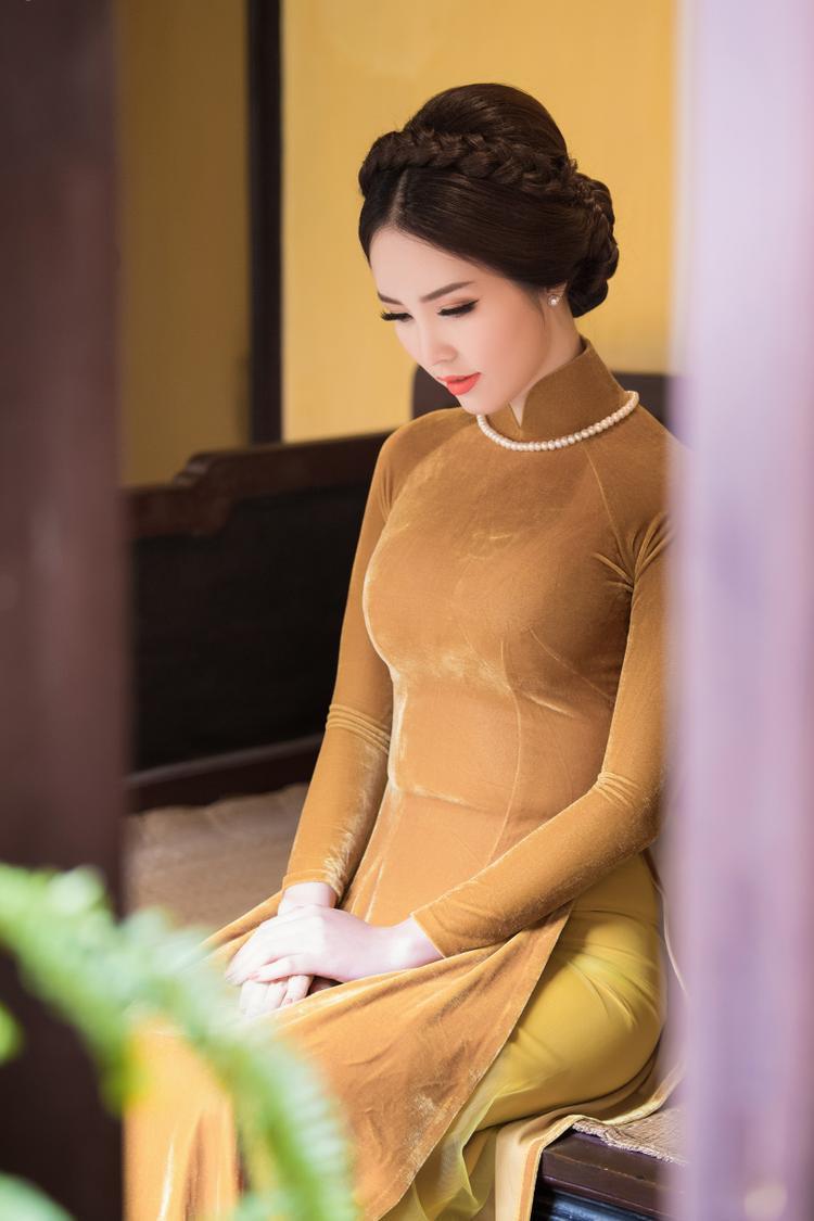 Nhìn lại năm 2017, Thụy Vân chia sẻ, điều cô hài lòng nhất là cuộc sống, sự nghiệp vẫn ổn định như điều cô mong ước. Cơ sở làm đẹp mà cô làm bà chủ kinh doanh ngày càng thu hút thêm nhiều khách hàng, đồng thời cô còn học thêm bằng MBA.