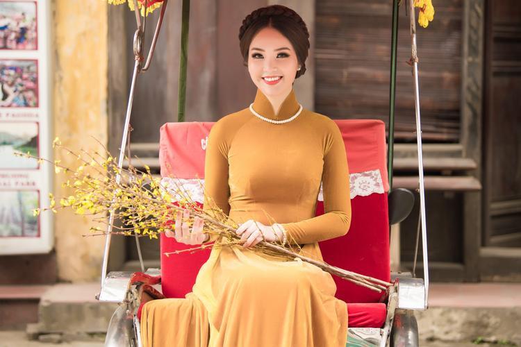 Mặc dù đã bước qua tuổi 30, Á hậu Thụy Vân vẫn giữ được gương mặt đẹp không tì vết và vóc dáng chuẩn người mẫu của mình. So với trước đây, Thụy Vân ngày càng mặn mà, toát lên vẻ sang trọng, quý phái của một người phụ nữ thành đạt.