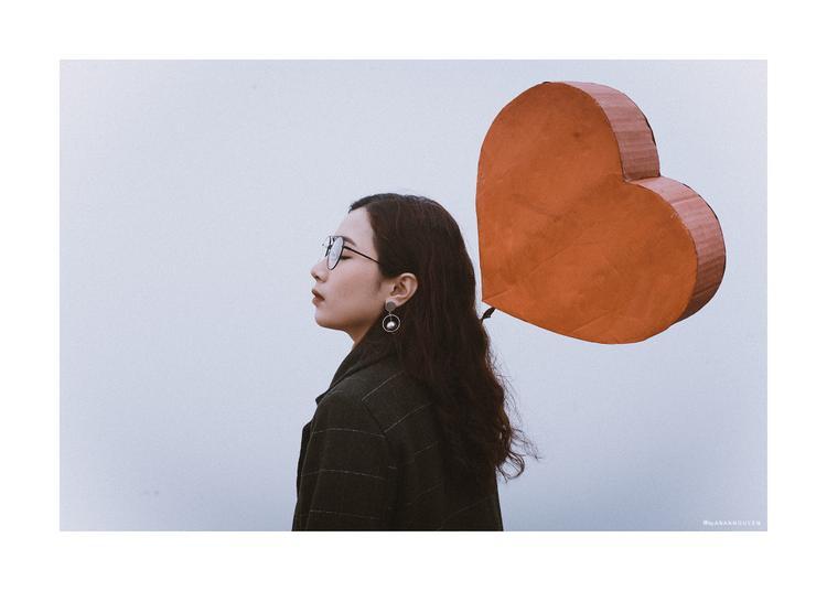 Bộ ảnh Valentine cô đơn gây sốt cộng đồng mạng