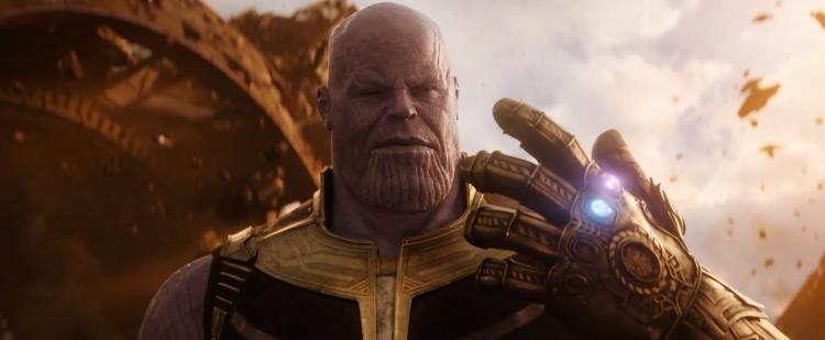 """Thanos - Kẻ xấu """"bé bự""""."""