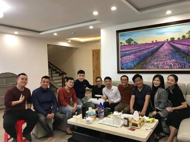 Hương Tràm quây quần bên đại gia đình tại quê nhà.