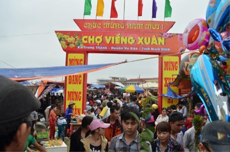 Lễ hội chợ Viềng.