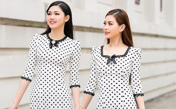Ở mọi thời đại thì thời trang chấm bi là một trong những họa tiết phổ biến được nhiều người ưa chuộng, đương nhiên không ngoại trừ các ngôi sao nữ trên toàn thế giới, trong đó có cả Sao Việt. Hình ảnh những chiếc áo dài họa tiết chấm bi đã thực sự giúp người phụ nữ trở nên hiện đại hơn bao giờ hết.