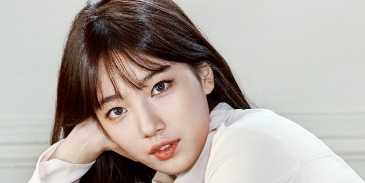 Nữ ca sĩ kiêm diễn viên Bae Suzy.
