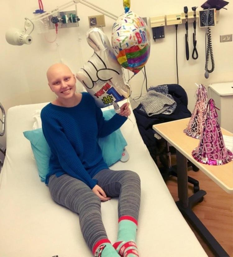 """""""Mặc dù trong phòng xạ trị cả ngày nhưng tôi đã có một bữa tiệc sinh nhật trọn vẹn niềm vui!"""""""