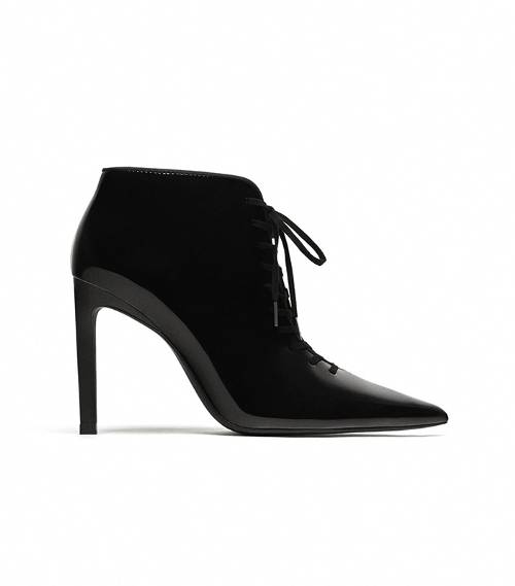 Với đôi giày này, hãy mang chúng với quần jeans hoặc bộ váy cocktail yêu thích của bạn!