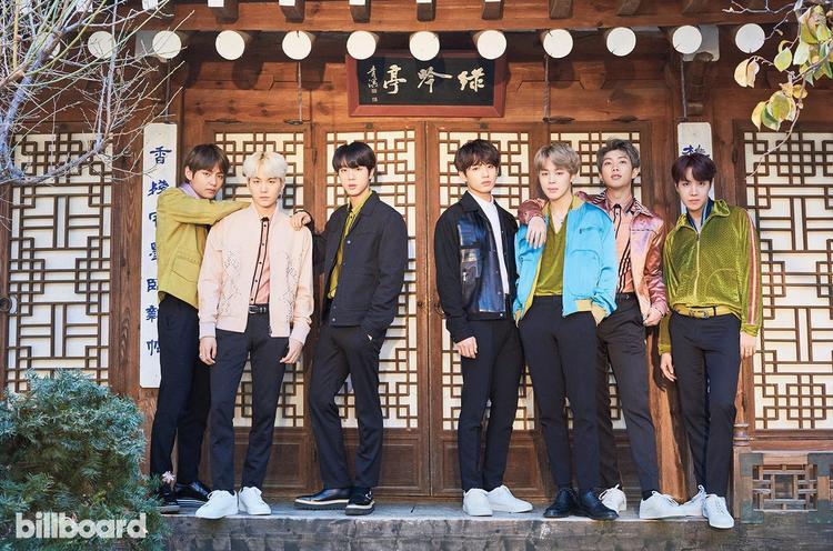 """Trong một diễn biến khác, BTS vừa bị lễ trao giải trong nước là Gaon Music Chart Music Awards """"lơ đẹp"""", không nhắc tên dù nhóm phá kỷ lục bán album tồn tại suốt 16 năm qua ở BXH này."""