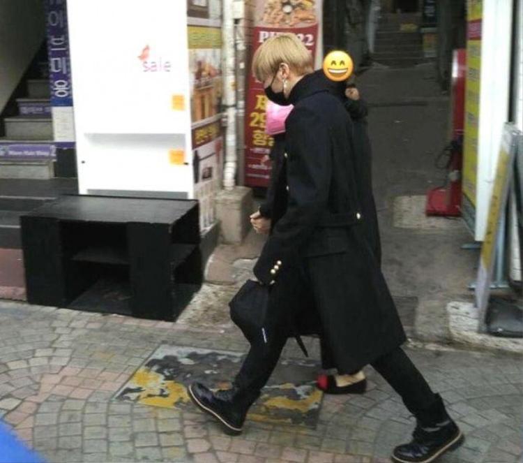 Hình ảnh Daniel cùng mẹ đi dạo và mua sắm bị fan bắt gặp trong lần gần đây nhất.