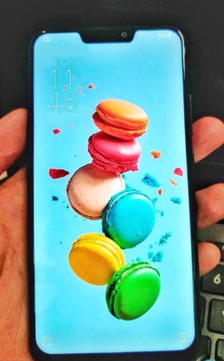 Hình ảnh rò rỉ mới nhất của Asus ZenFone 5, chiếc smartphone sẽ được Asus giới thiệu cuối tháng này.