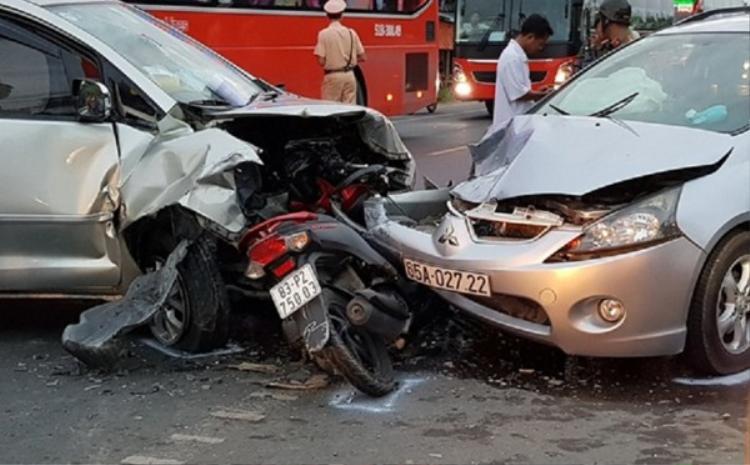 24 người chết trong tổng số 35 vụ tai nạn giao thông trong ngày mùng 4 Tết.