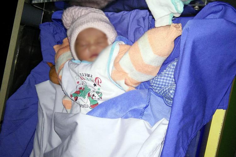 Hiện cháu bé vẫn đang được chăm sóc tốt tại bệnh viện.