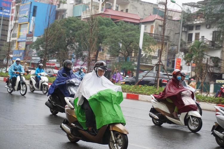 Trên tuyến đường Trần Duy Hưng trở nên thông thoáng hơn.